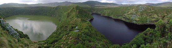 Santa Cruz das Flores, Portugal: Lagoas Negra e Branca