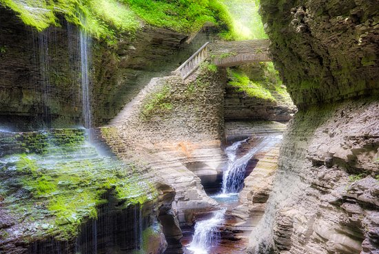 Watkins Glen State Park : Typical scene in the gorge.