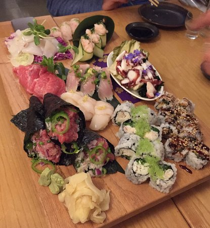 Suzuki's Sushi Bar: photo1.jpg
