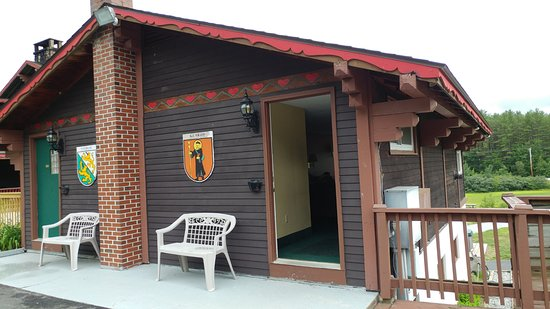 Intervale, NH: Hot Tub rooms in separate building
