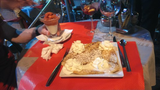 Brasserie La Fontaine: Crepe Chantilly (€5) & 2 Scoops Ice Cream (€5.50)