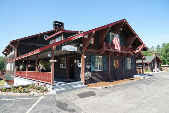 Intervale, NH: The main office and dining room of the Inn