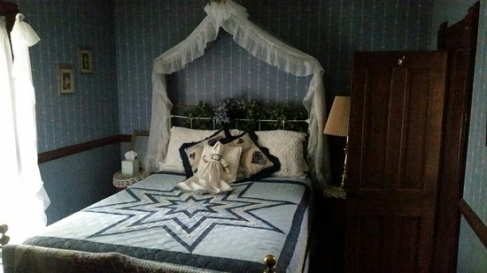 Jamesport, Миссури: Country Colonial Bed and Breakfast