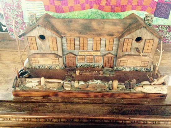 Tokeland, วอชิงตัน: A hand-made model of the hotel.