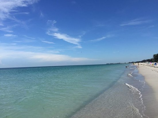 Bungalow Beach Resort: Beach