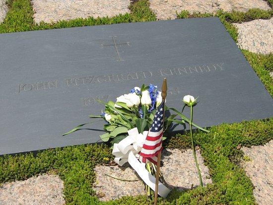 John F. Kennedy Grave Site : Så här ser den plats ut där fd presidenten JFK är begravd.