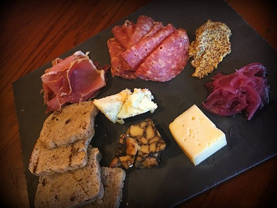 Alton, IL: Meat & Cheese Plate