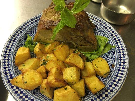 Chatenay-Malabry, France : Restaurant Tafoukt