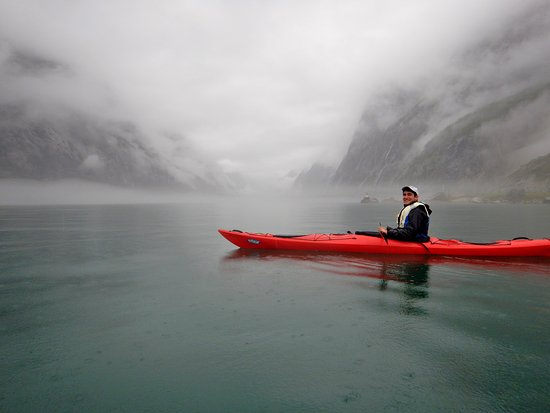 Lysebotn, นอร์เวย์: Kayaking to the base of the Kjerag bigwalls