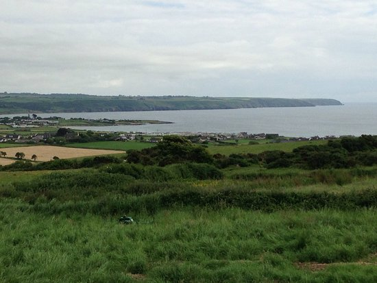 Ardmore, Irland: View from bedroom.