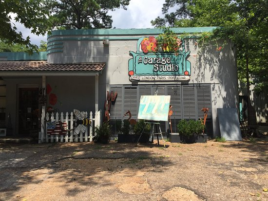 Point Clear, AL: The Garage Studio gift shop