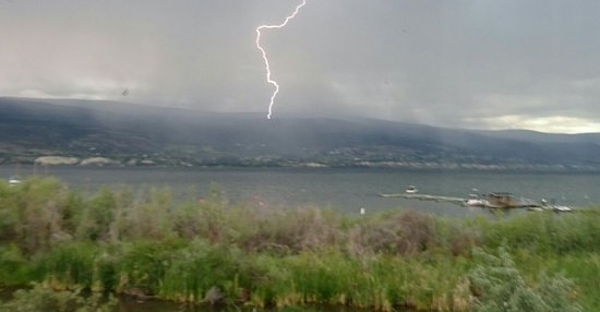 Summerland Waterfront Resort & Spa : Watching the thunderstorm from our balcony
