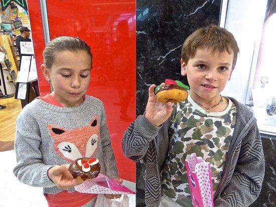 Helensvale, Australien: Novelty Shape Donuts