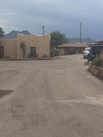 Alpine, TX: Hotel grounds
