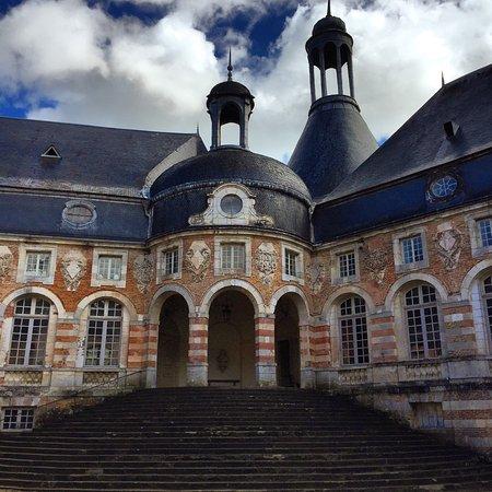Saint-Fargeau, فرنسا: photo0.jpg
