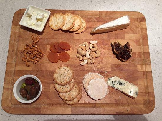 Arthurs Seat, Australia: Optional cheese platter
