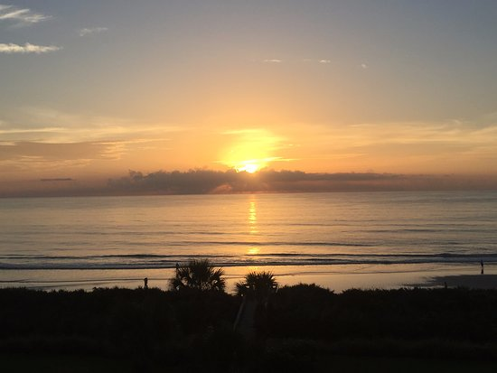 Cinnamon Beach at Ocean Hammock Beach Resort: Sunrise from the balcony