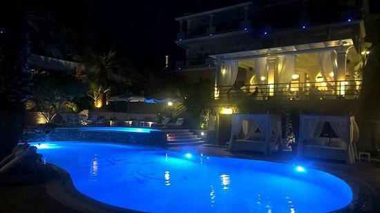 Delfino Blu Boutique Hotel Photo