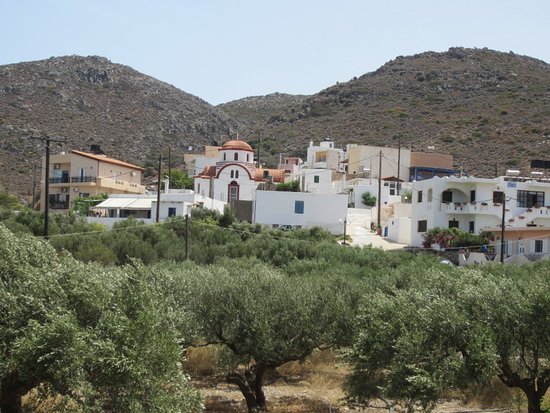 Sirines Studios and Apartments: The view from our Terrace of Agathias