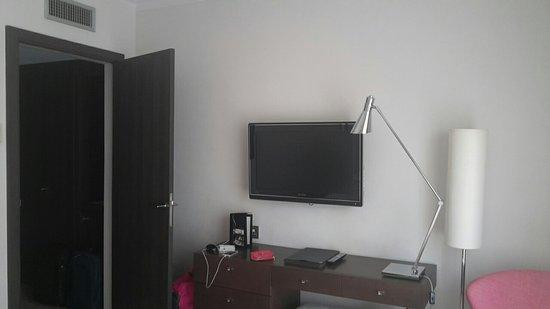 Hotel Le Canberra: 20150806_183538_large.jpg