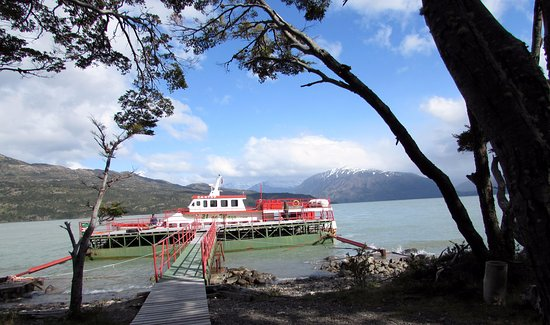 Channel of Last Hope (Ultima Esperanza): Tipo de barco que leva e traz os turistas