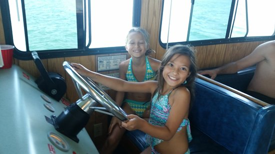 Bridge Bay at Shasta Lake: Younger captains