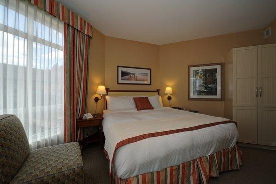 Summerland, Canada: Two Bedroom Suite - King Bedroom