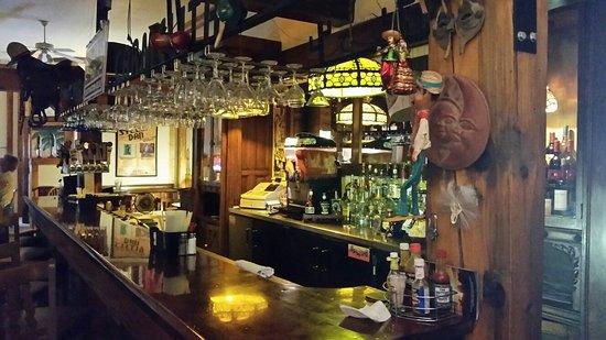 Calumet, MI: Cool bar setting. Feels like you walked back in time 100 years.
