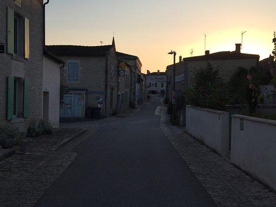 Arcais, Francia: photo2.jpg