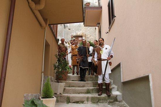 San Marco D'Alunzio, İtalya: 2 Giugno di ogni anno - Corteo storico