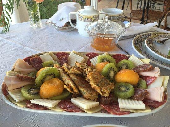 Mazo, España: Bandeja de desayuno