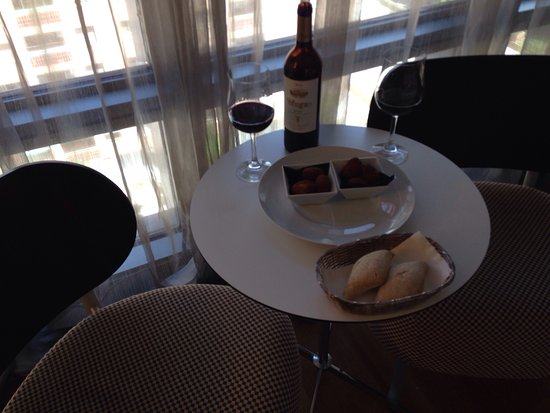 Hotel Reina Petronila: photo2.jpg