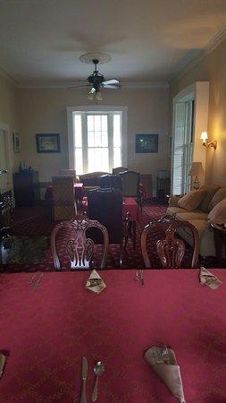 Captain's Manor Inn: 20160709_135755_large.jpg