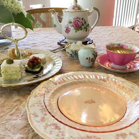 Montrose Inn & Tea Room: Afternoon Tea