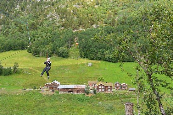 Amotsdalen Gard