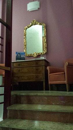 Hotel Alkazar Photo