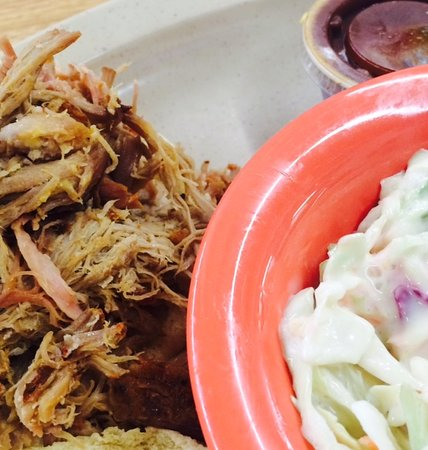 Garfield, AR: Pulled Pork Sandwich with Cole Slaw, Macaroni and Cheese and BBQ Sauce