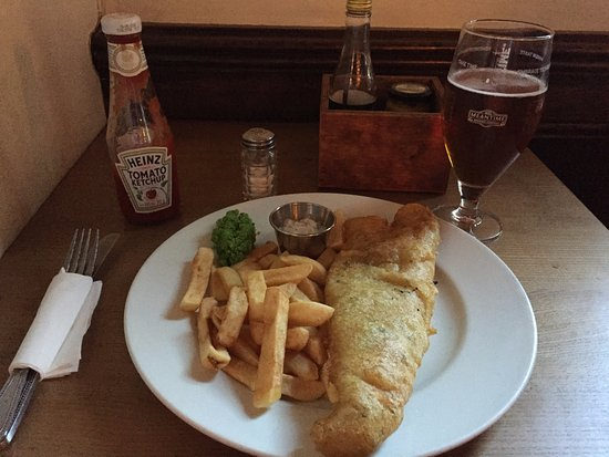 The Queens Arms: Fish N' Chips with Ale