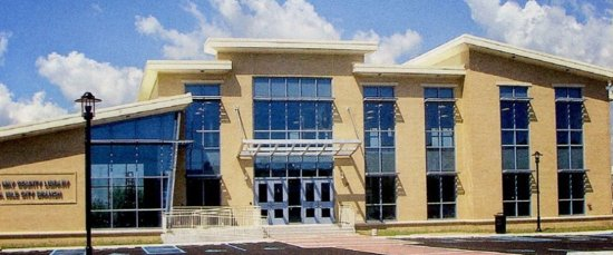 Sea Isle City, Nueva Jersey: Museum located in Sea Isle Library building (shown)