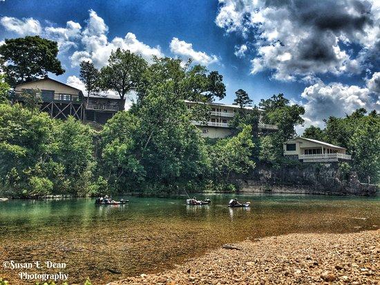 Eagle's Landing River Resort & Cabins