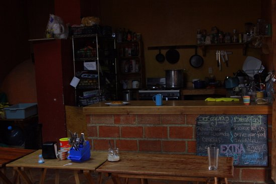 Puerta Vieja Hostel: Here is the kitchenette. Serves breakfast daily and has fridge for guests
