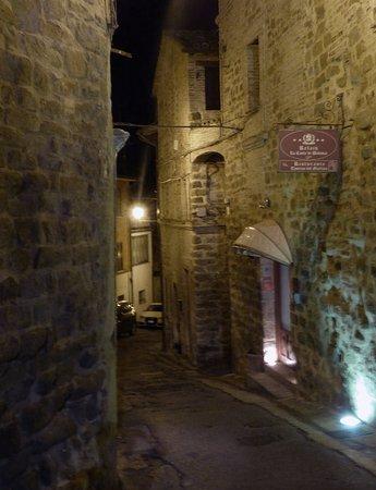 Bettona, Itália: A Rua da Taverna