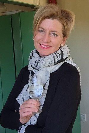 Clyde, Nouvelle-Zélande : The Host-Tania Howard