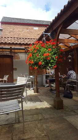 Nicholls Coffee Shop: out in the courtyard