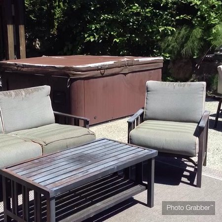 Points West Oceanfront Resort: Our private patio and hot tub