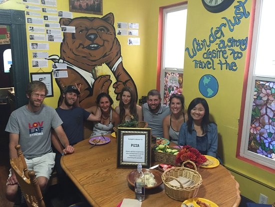 ITH Adventure Hostel San Diego: Free dinner at the hostel