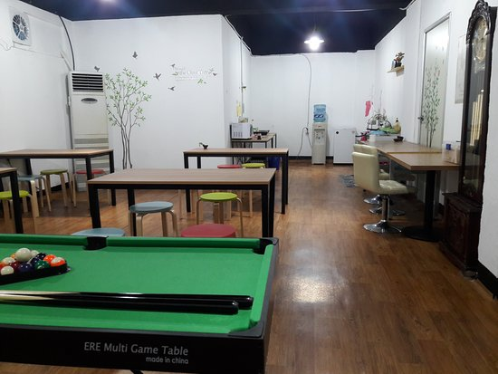 Suncheon, Sydkorea: basement for kitchen and dining area.