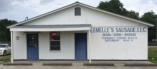 Liberty, TX: Front of Lemelle's