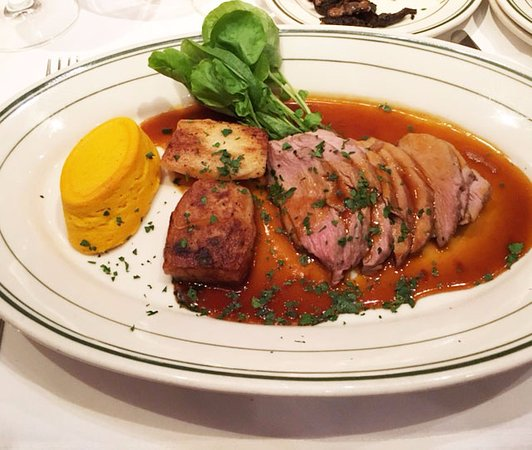 Carpinteria, Califórnia: Duck with great sides!