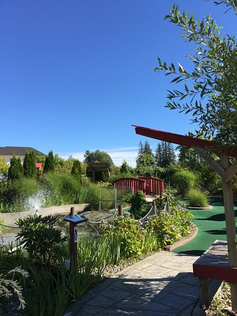 Surrey, Canadá: Hi-Knoll Driving Range & Mini-Golf